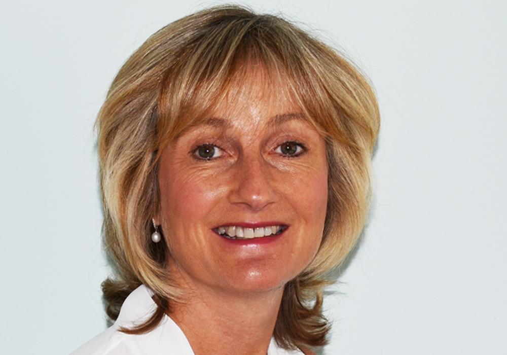 Dr Liz Evans - MBBS MRCGP FRSH DCH